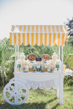 #vintage #popcorn #cart #wedding #decor @weddingchicks