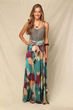 Amei essa saia...e os colares deu um toque bacana no visual!