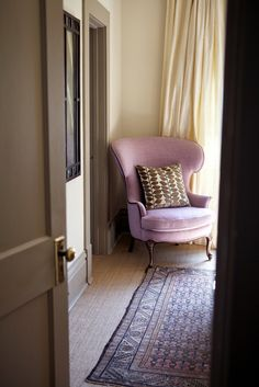 DECORATING ; INTERIORS ; PINK CHAIR