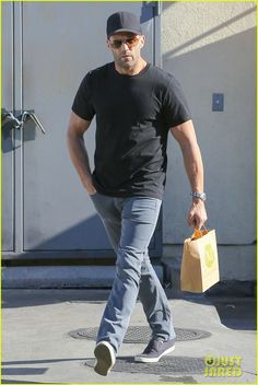 Jason Statham Steps Out After His 'Fast & Furious 8' News