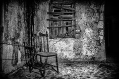 Chained chair by Emmanouel Hatas on 500px