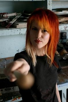 I've always loved, loved, LOVED Hayley Williams' hair. And her in general. Hayley Williams Haircut, Haley Williams Hair, Short Scene Hair, Scene Bangs, Hayley Paramore, Paramore Hayley Williams, Hayley Wiliams, Hair Inspo, Short Hairstyles