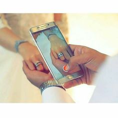 Pre Wedding Poses, Pre Wedding Photoshoot, Wedding Couples, Arab Wedding, Wedding Pics, Wedding Couple Poses Photography, Bridal Photography, Cute Muslim Couples, Cute Couples