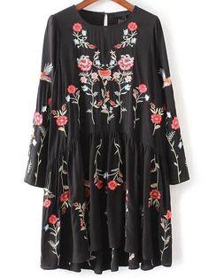 Flower Embroidery Keyhole Back Pleated Dress