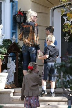 Gwen Stefani takes her boys Kingston, Zuma and Apollo to church and then to visit her parents