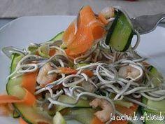 Tagliatelle de calabacín y zanahoria con gulas, Receta Petitchef