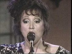 ▶ Kate and Anna McGarrigle with Maria Muldaur: The Work Song (1984) - YouTube