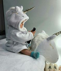 Riding the unicorn Riding the unicorn - Cute Adorable Baby Outfits Cute Little Baby, Baby Kind, Little Babies, Cute Babies, Cutest Babies Ever, Small Baby, Foto Baby, Cute Baby Pictures, Cute Baby Clothes