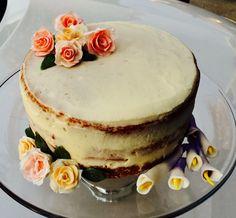 Fondant roses and calla lillies cake