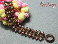 Tutorial by Evelina - Right Angle Weave. I think these units could be made into earrings. #seed #bead #tutorial