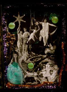 Méliès Diorama . Altered Tin Altered Tins, Diorama, Christmas Ornaments, Holiday Decor, Home Decor, Decoration Home, Room Decor, Christmas Jewelry, Dioramas