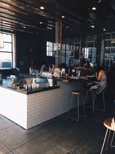 Blue Bottle Coffee, Los Angeles Restaurant Design, Restaurant Bar, Coffee House Decor, Blue Bottle Coffee, Café Bar, Hipster, Coffee Shop Design, Cool Cafe, Shop Fronts
