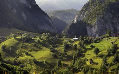 Things not to miss in Romania | Photo Gallery | Rough Guides. The Carpathians