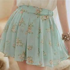 Blue Vintage Florl Skirt~ This looks so pretty with that creme colored blouse & bangle bracelet