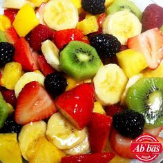 Which of these fruits would you put into a fruit salad? Homemade Fruit Salad, Fruit Salad Recipes, Fruit Salads, Jello Salads, Fruit Box, Easy Healthy Breakfast, Healthy Snacks, Healthy Eating, Healthy Sides