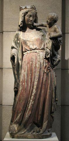 Vierge à l'enfant.  1300-1320.  Lorraine (France).  Calcaire avec traces de peintures.  Metropolitan Museum of Art.