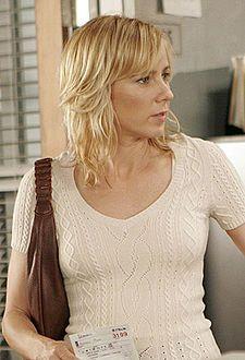 Traylor Howard as Natalie Teeger.