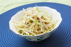 Bavarian cabbage salad - coleslaw, recipe with video and tips from the bavarian chef Salad Recipes Healthy Vegetarian, Super Healthy Recipes, Healthy Meal Prep, Healthy Foods To Eat, Salad Recipes Video, Salad Recipes For Dinner, Chicken Salad Recipes, Feta, Greek Yogurt Recipes