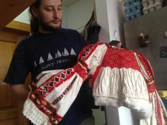 Dress Sites, Folk Embroidery, Romania, Smocking, Textiles, Blouses, Traditional, Dresses, Fashion