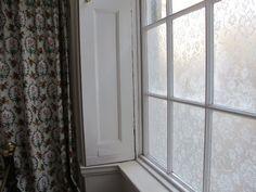 http://www.annabelvita.com/wp-content/uploads/2013/04/Lace-cornstarch-window-treatment10.jpg
