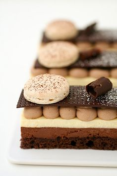 chocolate and meyer lemon mousse petit gateau story and recipe at Cannelle Et Dessert Dessert Fancy Desserts, Just Desserts, Delicious Desserts, Dessert Recipes, Yummy Food, Dessert Healthy, Chocolate Mousse Cake, Chocolate Desserts, Chocolate Pastry