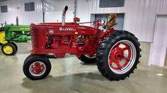 FARMALL M Farmall Super M, Farmall Tractors, Old Tractors, Classic Tractor, Antique Tractors, Down On The Farm, Ih, Farms, Horses