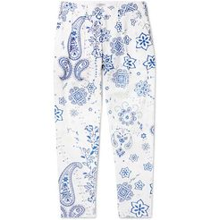 Flagstuff Tapered Pleated Printed Cotton Trousers In White Fashion Advice, Fashion News, Mens Fashion, Converse Sneakers, Printed Cotton, Paisley, Luxury Fashion, Trousers, Fabric