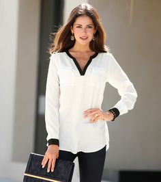 moda is your first and best source for all of the information you're looking for.moda has it all. Office Outfits, Casual Outfits, Fashion Outfits, Office Looks, Look Chic, Shirt Blouses, Ideias Fashion, Chiffon, Tunic Tops