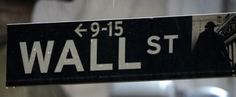 Wall Street edges lower after fifth straight weekly gain http://reut.rs/1usxcie  via @reuters