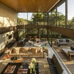 Limantos Residence, Sao Paulo, Brazil The Cool Hunter - Architecture Dream Home Design, Modern House Design, My Dream Home, Home Interior Design, Exterior Design, Interior Architecture, Interior And Exterior, Room Interior, Mansion Interior
