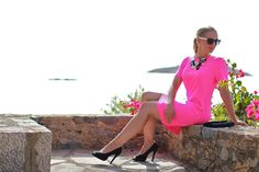 pink summer dress - Forever 21 / black peep toes - Humanic / clutch - Vero Moda / necklace - from Chania / sunglasses - New Yorker