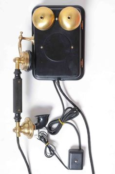 Kinds Of Shapes, Vintage Telephone, Consoles, Headphones, Tech, Wall, Gadgets, Musica, Antique Phone