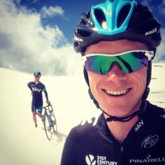 Awesome selfie from Chris Froome. That's Richie Porte in the background btw.