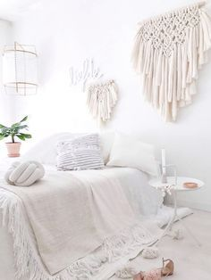 A white room like a cozy cocoon - Bohemian spirit Scandinavian Style, White Bedroom Decor, Stylish Bedroom, New Room, House Rooms, Girl Room, Diy Home Decor, Interior Design, Pin Image