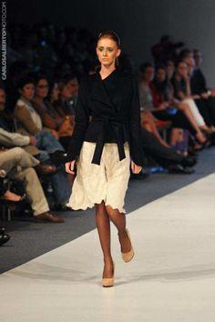 Sumy Kujon... básico que tengo que inspirarme para mis outfits de trabajo en invierno.