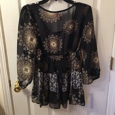 Blouse Very nice top. Looks good with jeans too! Tops Blouses