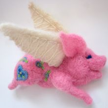 Seriously cute needle felted flying pig!!!