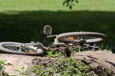 Trumau: Radfahrerin (59) von Unbekanntem niedergefahren und schwer Verletzt - Fahrerflucht