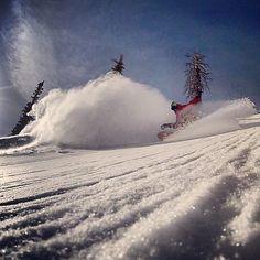 Grassroots Powdersurfing in some fresh powder.  No bindings = more fun!  #powsurf  #snowboarding