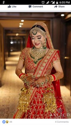 Best wedding planner and ideas for the modern bride to plan the wedding. From Indian bridal lehengas to wedding venues, wedding and per-wedding photographers, catering services and much more. Indian Bridal Outfits, Indian Bridal Lehenga, Indian Bridal Fashion, Indian Bridal Makeup, Indian Bridal Wear, Indian Wear, Bridal Dresses, Wedding Lehnga, Indian Wedding Bride