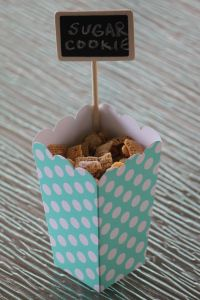 Sugar Cookie Chex Party Mix #pickyourplum #treatcontainers #minichalkboardsigns