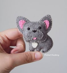 Hand crafted dog brooch. Accessorize your tote bags, hats, coats, sweaters, T-shirts, backpacks… there are millions of places to pin them! Size: 7x7