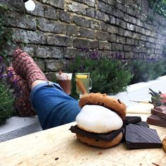 Getting all the springtime feels today! That calls for a little of this I reckon. Nothing more hygglig than wrapping up warm sitting outside fire on and a wee (or big!) treat. Aaaand relax   #thesimplethings #hygge #kosykina #quietmoments #treat #indulge #littlebreaks #s'mores #outdoorsy #food #huntinghygge  #lifestyle #inspiration @travelbytummy #travelplanner