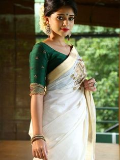Looking for creative blouse work designs to try with your silk sarees? Here are 16 amazing blouse ideas that can make your silk saree look gorgeous! Blouse Back Neck Designs, Sari Bluse, Kerala Saree Blouse Designs, Blouse Models, Saree Shopping, Saree Dress, Kerla Saree, Onam Saree, Kasavu Saree