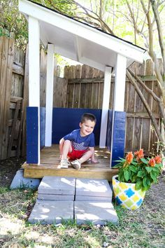 How to build an adorable backyard playhouse for your toddler or child. It's affordable, easy, and such a fun addition to your backyard! #buildplayhouseeasy