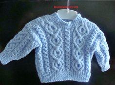 Pull irlandais bleu fille ou garçon de 9/12 mois : Mode Bébé par danielaine-tricots-enfants