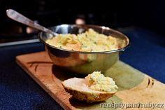 Čubiččina vajíčková pomazánka. Těsně po Velikonocích se vždycky všichni těšili, jak se budou cpát vajíčkovou pomazánkou a pro mě to bylo divné. Ale přišla jsem ji na chuť! | @blogkuchtime  | #recepty #jidlo #inspirace #vareni #foodblog #kucharka Guacamole, Grains, Salads, Rice, Mexican, Ethnic Recipes, Food, Eten, Salad