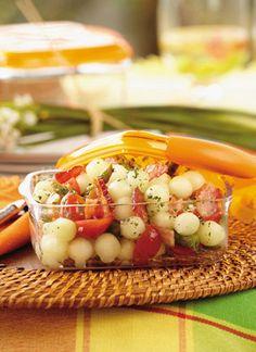 Ensalada de melón y espárragos Chef: Juanita Umaña Con ingredientes que no requieren mucho tiempo de cocción, esta ensalada encierra sabores frescos  en una preparación descomplicada.