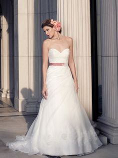Casablanca Bridal 2093 - strapless a-line, sweetheart neckline, tulle and lace