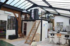 Loft atelier à Paris avec toiture en verrière